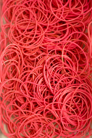 20080709red_rubber_band
