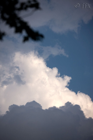 20080912dark_clouds